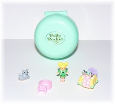 Vintage 1991 Polly Pocket Dazzling Dressmaker Ring and Ring Case Complete!  - $82.16