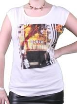 Bench UK da Donna Bianco Watertown Building Fuoco Foto T-Shirt Nwt