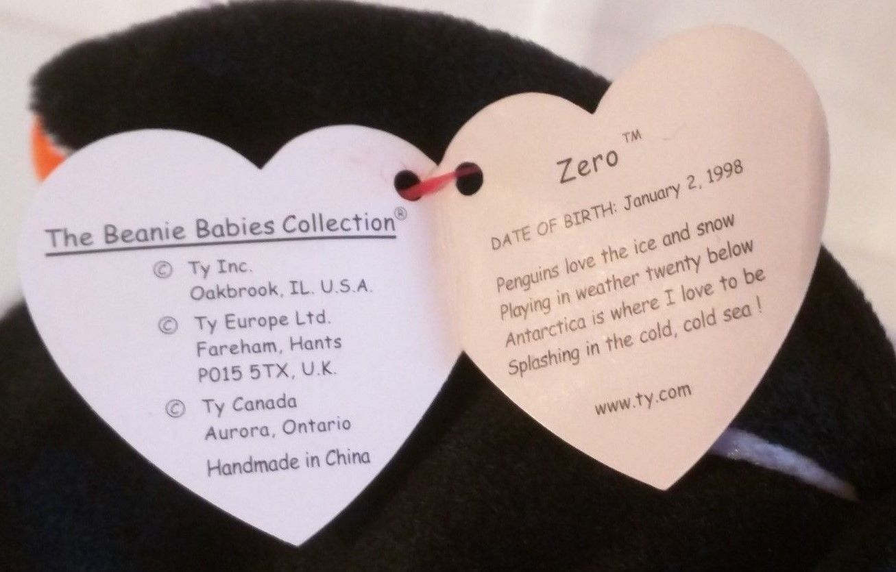 TY BEANIE BABIES COLLECTIBLE –  ZERO the Christmas PENGUIN – RETIRED - MWMT