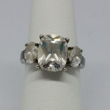 Sterling Silver Avon 3 Stone Cubic Zirconia Coushion Cut Ring Size 5 - €29,14 EUR