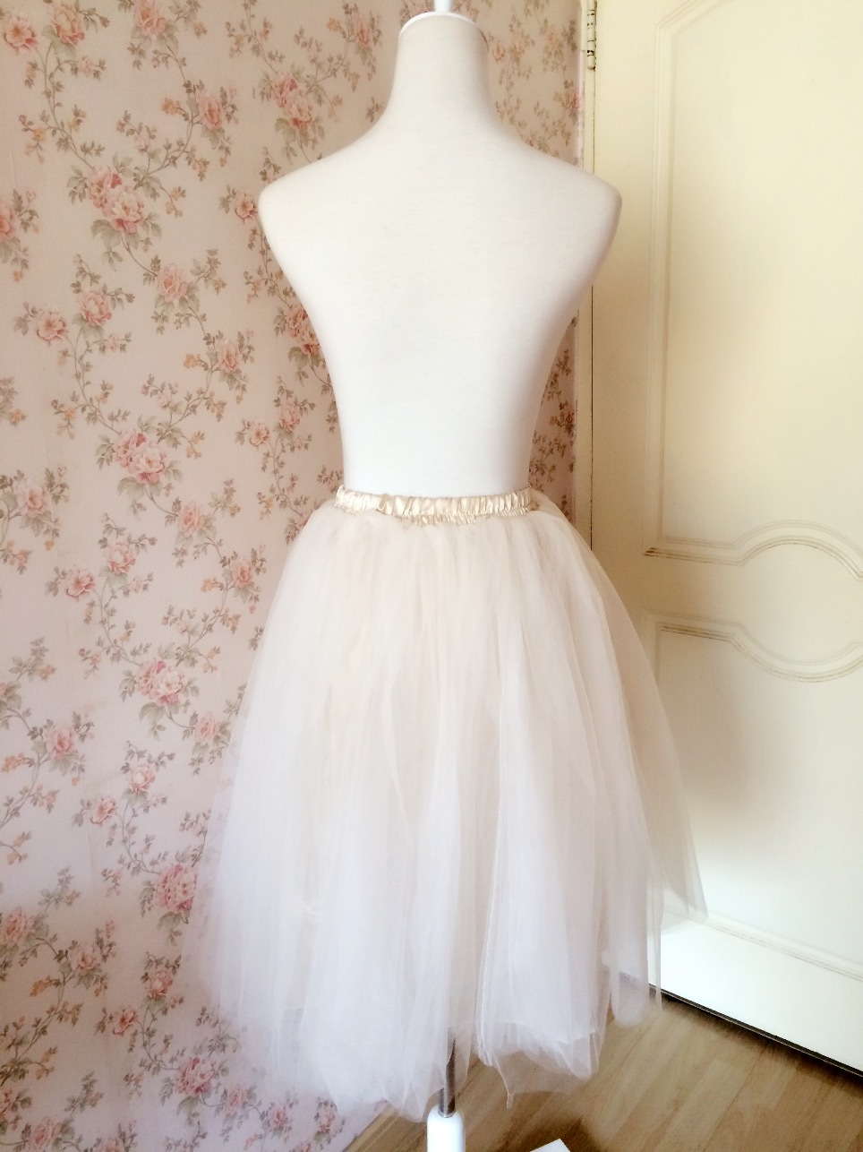 Women Ivory Tea Length Tulle Skirt Ivory Wedding Bridesmaid Midi Tulle Skirts