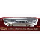 Sun Star silver 1966 Mercedes-Benz 600 DIECAST SCALE 1:18 #2201 - $127.50