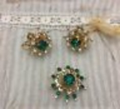 Vtg CORO Signed Borealis Emerald Green  Rhinestone Brooch ScrewBack Earr... - $14.01