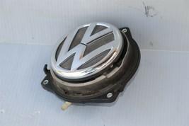 12-16 Volkswagen VW Beetle Trunk Lid Emblem Badge Lock image 1