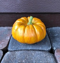 "Resin 4"" Mini Pumpkin Figurine Halloween Decoration  - €2,54 EUR"