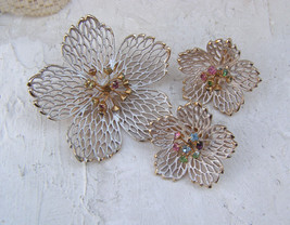 Vintage White Filigree Flower Brooch Earrings Rhinestone Head Pin Center... - $19.79