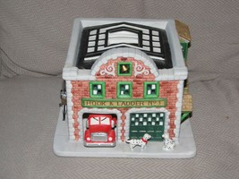 Partylite Xmas Holiday Firehouse Decoration Fire Station Hook and Ladder No 3 - $34.64