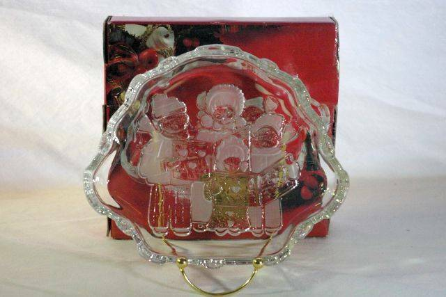 "Primary image for Mikasa Christmas Carolers Crystal Open Candy Sweets Dish 8 1/4"" In Box"