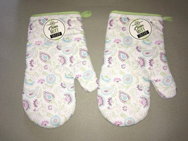 Oven Mitt Mitts Set of 2 100% Cotton New Paisley Floral Lace edged White - $22.65