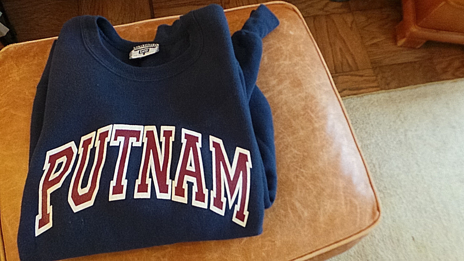 Putnam Sweatshirt in Navy Color w Bold Letters Size XL Made in USA by Lee VG+