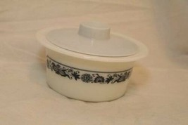 Vintage PYREX Old Town Blue Onion Rimmed Butter Margarine Dish & Lid bow... - $24.70