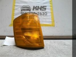 Passenger Corner/Park Light 201 Type Fits 84-93 MERCEDES 190 16817 - $49.50