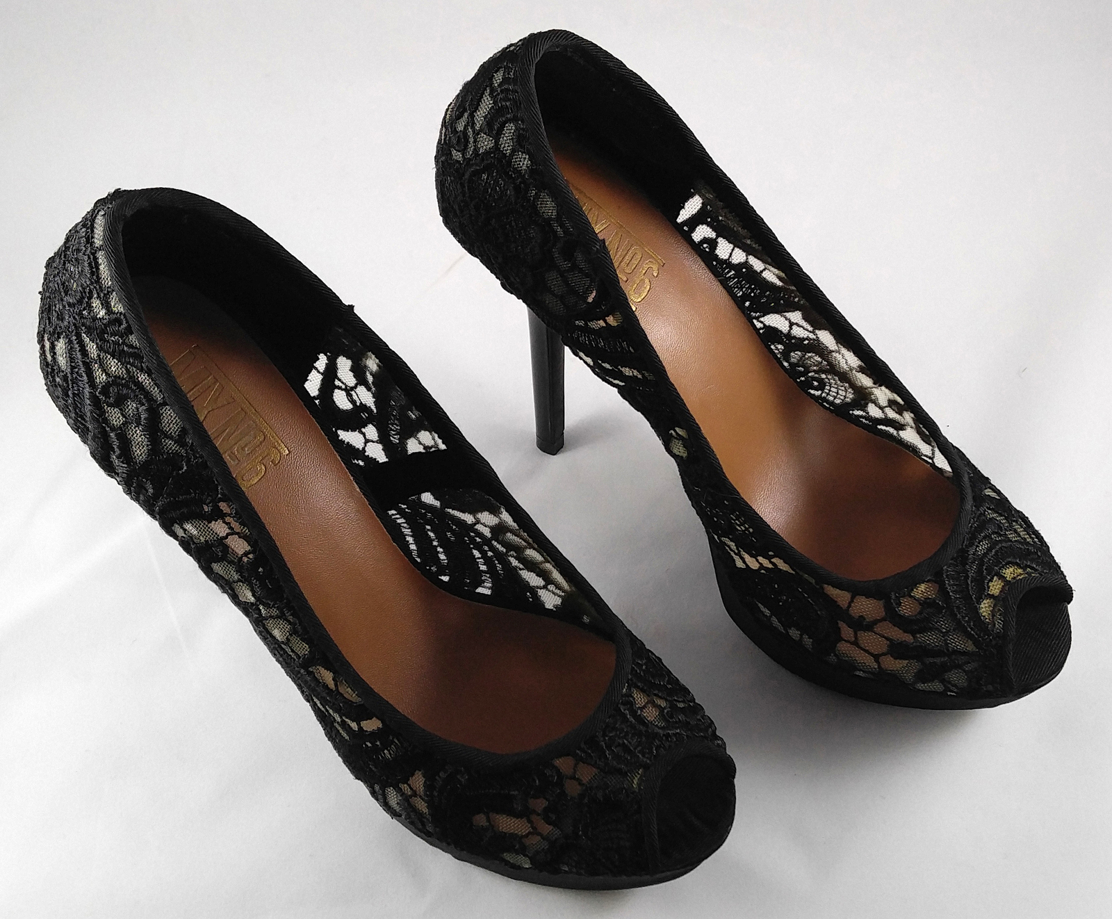 MX No 6 Allure Woman's High Heel Stiletto Shoes Pumps Black Lace Size 6 ½