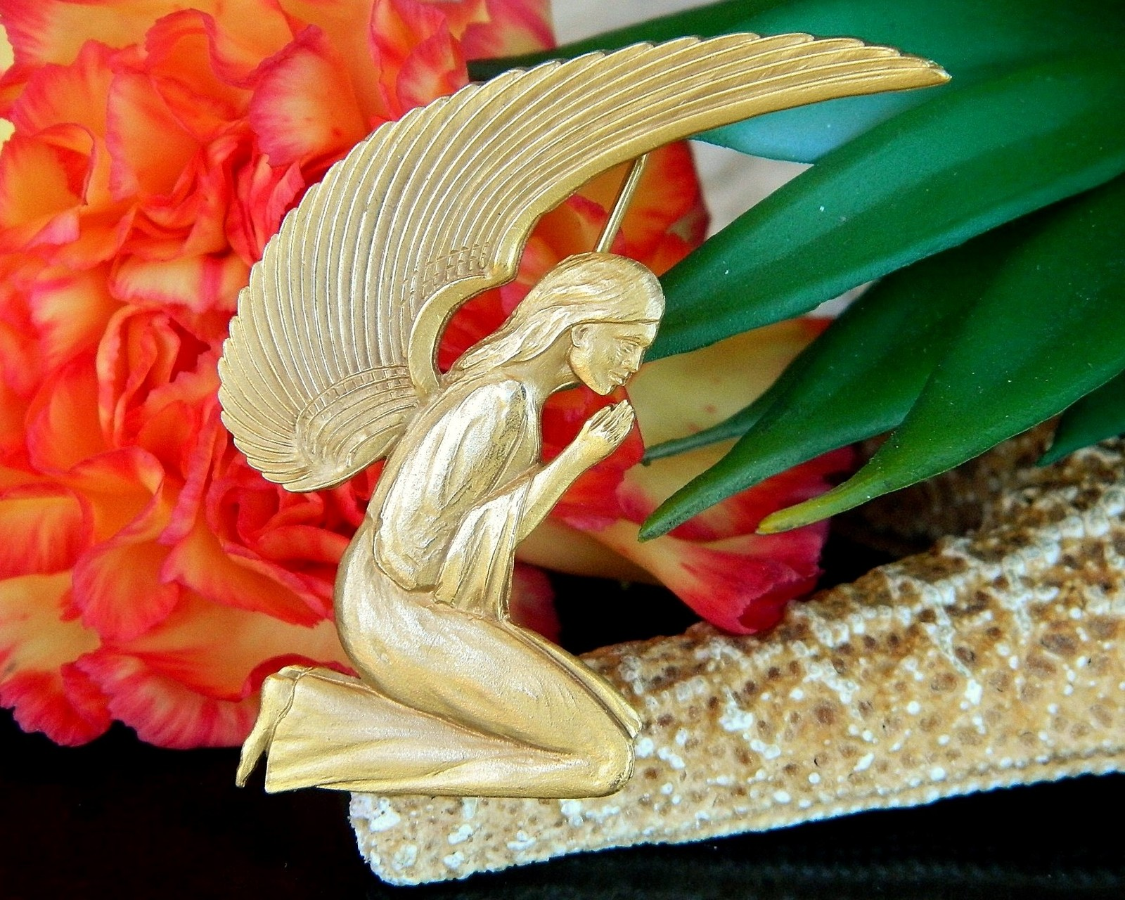 Primary image for Vintage Praying Angel Brooch Pin Pendant Museum Natural History MONH