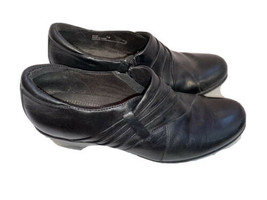 Clarks Black Leather Slip On Side Zipper Heel Shoes Size 7.5  84155 - $24.70