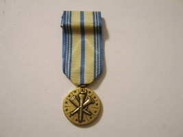 ARMED FORCES RESERVE MEDAL AIR FORCE  RESERVE NIP MINI SIZE - $3.99