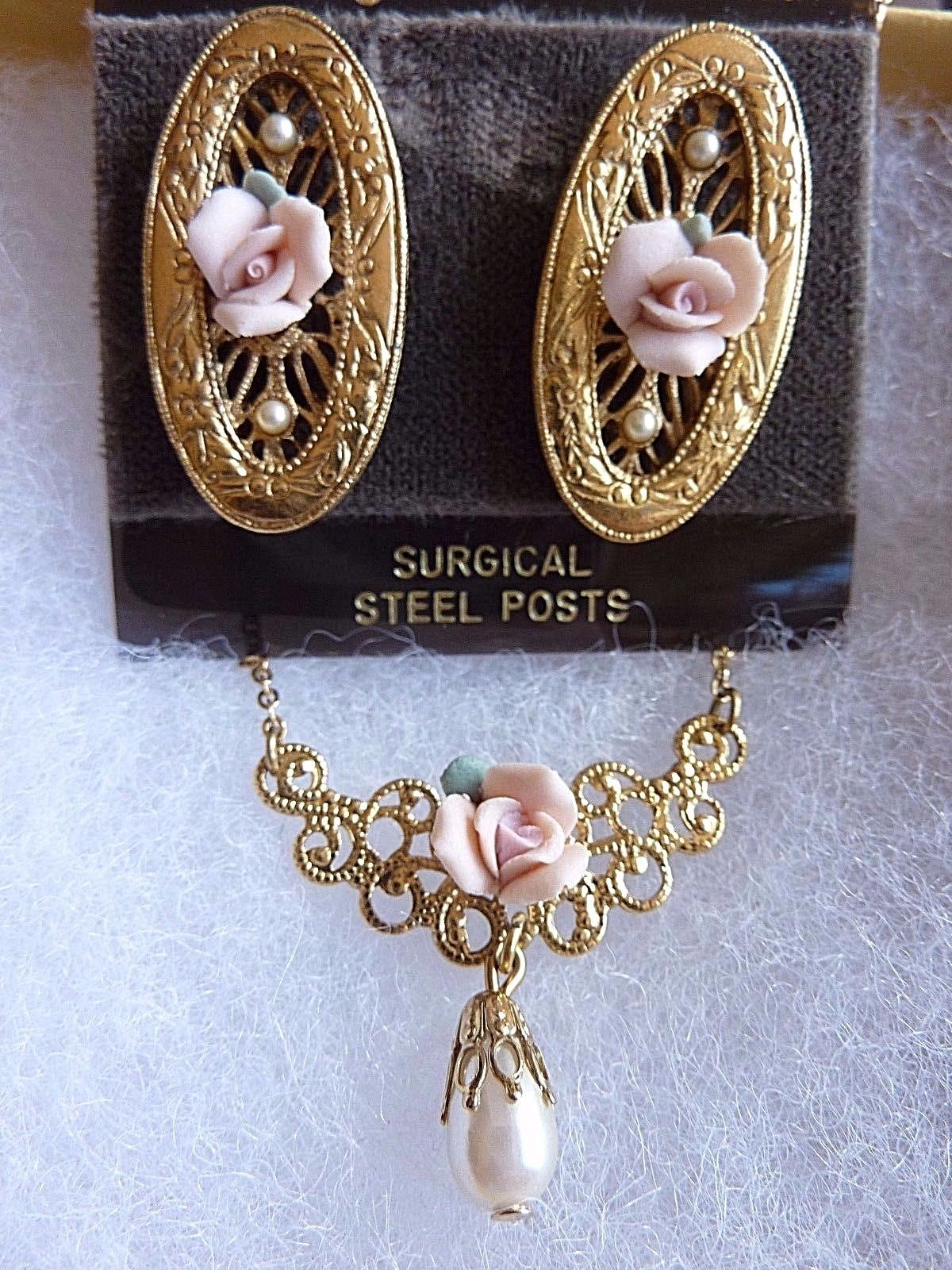 Vintage Necklace and Earrings Porcelain Rose Pink