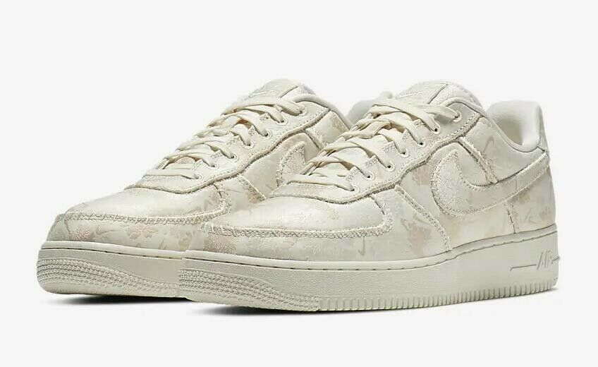AIR FORCE 1 '07 PRM 3 MEN'S US SIZE 9.5 STYLE # AT4144-100
