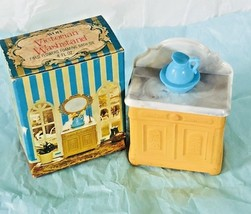 AVON Victorian Washstand Field Flowers Foaming Bath Oil 4fl oz Vintage 1973 - $15.89