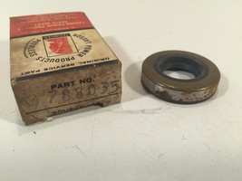Genuine Tecumseh 788035 Oil Seal New Old Stock - $5.99