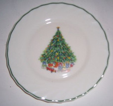 Porcelle Christmas Glass Collectible Dinner Plate Noel Salem France - $14.99