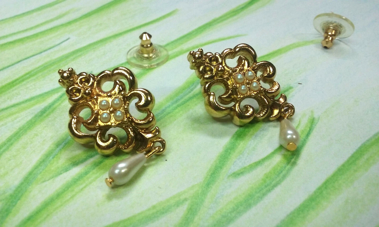 "Primary image for Vintage Jewelry:1 1/2"" Gold Tone Pierced Avon Dangle Earrings 180801"