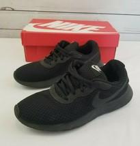 Nike Tanjun 9.5 Black Sneakers 812655002 - $25.19