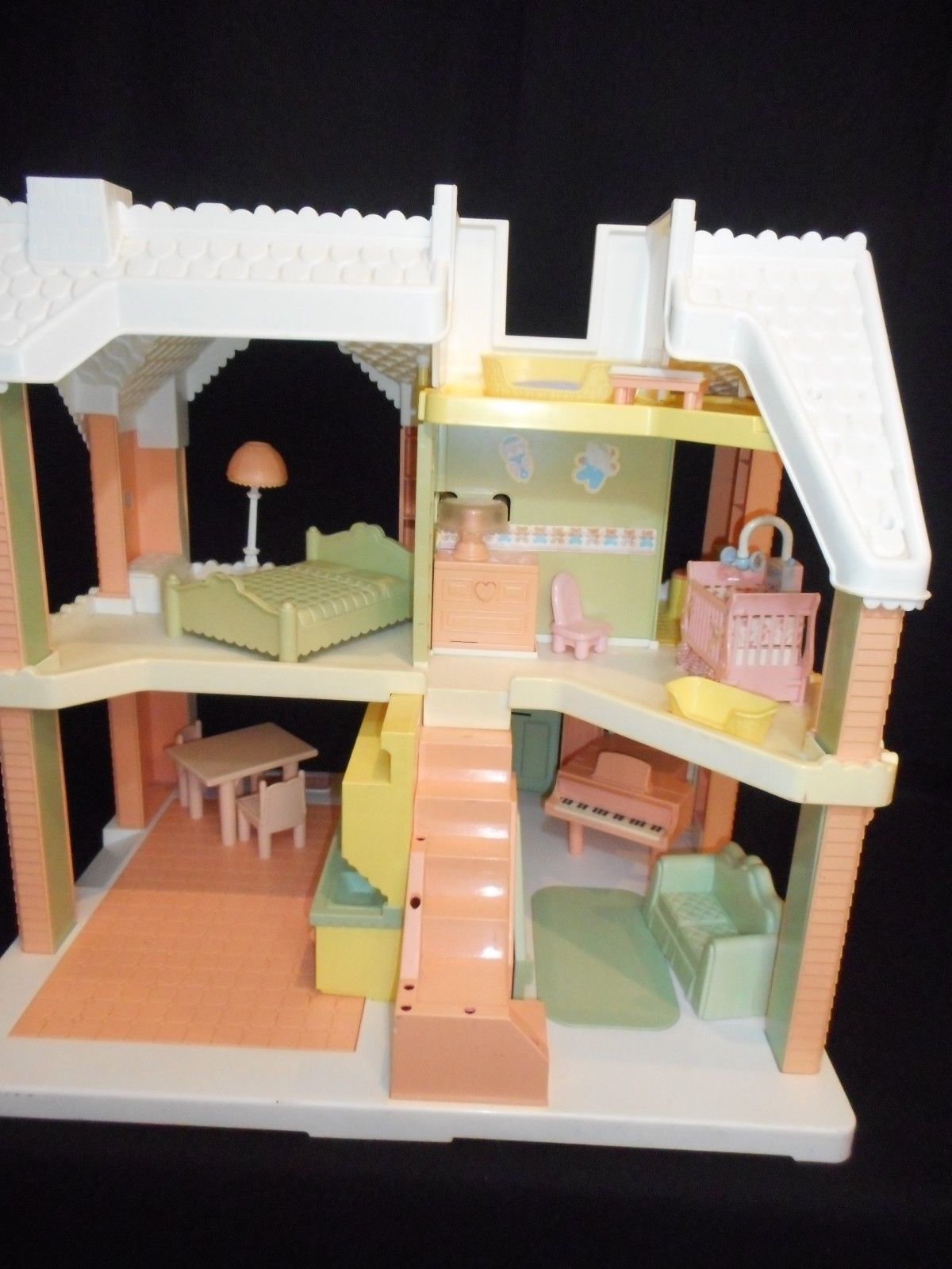 1991 Playskool VICTORIAN DOLLHOUSE pnk white with furniture Grd Piano Couch Bed image 4