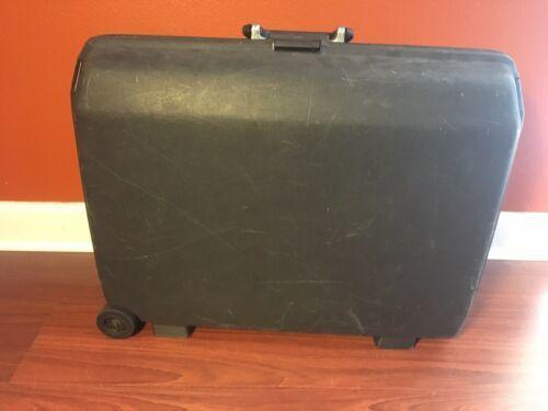 Samsonite Trio GLS Hardshell Suitcase w/Key