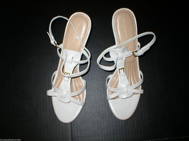New Womens 9.5 Easy Spirit White Heels Sandals Strappy Slingback Leather Shoes - $48.85 CAD