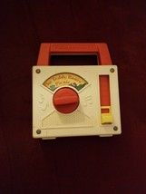 Fisher Price Wind Up Radio TEDDY BEARS PICNIC  White/Red 1979 working condition - $7.49