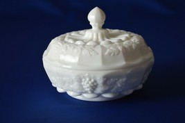 Westmoreland Paneled Grape Covered Candy Dish White - $11.88