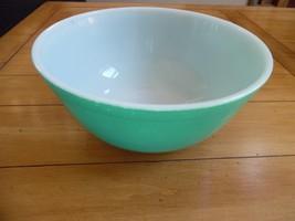 Wonderful Vintage Pyrex Green Mixing Bowl - 8 1... - $10.00