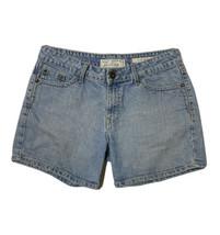 "Signature Levi Strauss Women Size 12M (34x5) Denim Shorts Light Rise 10"" - $15.84"