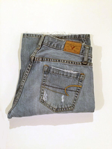 (010) American Eagle. Hipster. Jeans. Size 6. Light Wash. Distressed. - $15.00