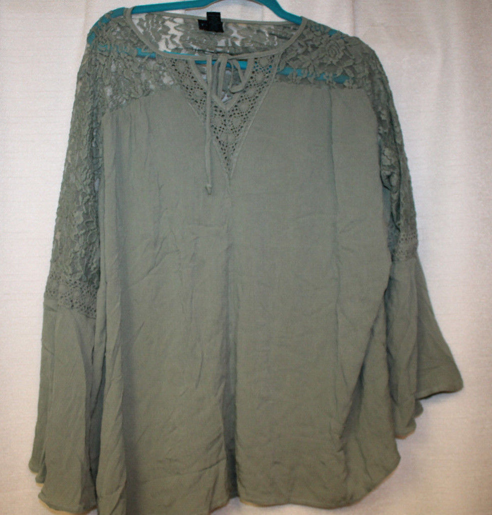 NEW WOMENS PLUS SIZE 3X GREEN PEASANT STYLE TOP WITH LACE FRONT AND BACK YOKES