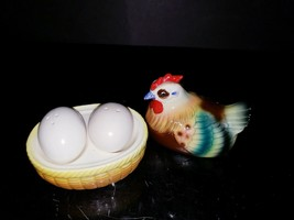 Vintage Nesting Chicken Hen on Nest Basket w/ Salt & Pepper Shaker Eggs ... - $17.82