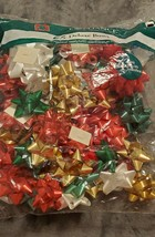 CHRISTMAS CLASSIC BERWICK DELUXE PEEL & STICK GIFT BOWS 65 COUNT - 4 SIZES - $10.00