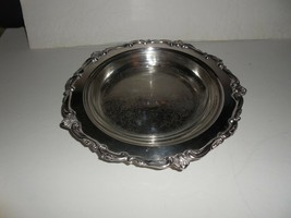 """International Silverplate Footed Caddy for 10"""" Pyrex  Pie  Plate - $29.66"""