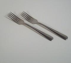 "Oneida Stainless Steel Valor 2 Dinner Forks Glossy Wave Outline 7 1/4"" - $9.99"