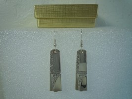 Oneida Caprice 1937 Earrings Silverplate - $31.18