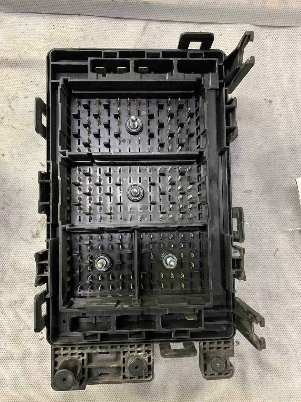 Oem 02 03 Gmc Envoy Engine Fuse Box Tested M539 Wj1c5
