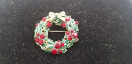 Vintage Gold Tone Christmas Wreath W/ Gold Bow & Ruby Stone Cranberries ... - $15.44