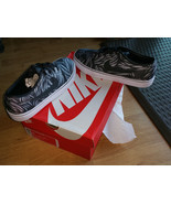 NEW Nike Mens Toki Low TXT Print Skateboarding Casual Shoes 631697-004 S... - €64,31 EUR