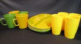 Vintage Picnic Basket Dinnerware BASKETVILLE Plastic Cups Serving Tray P... - $12.00