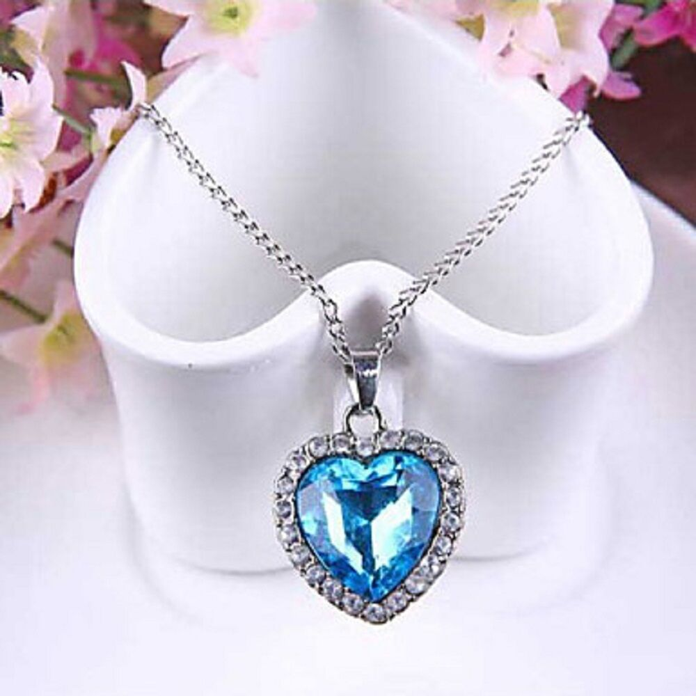 Women Pendant Necklace Blue Sapphire Heart Austria Crystal - 1x Chosen at Random