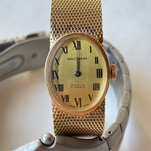 Vintage Waltham In Cabloc 17 Jewels Watch Gold Tone Oval Dial Case 20mm - $28.04