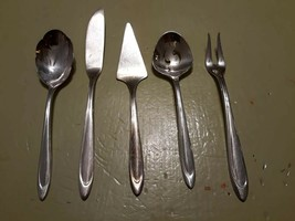 Set Lot of Matching Meriden Silverplate Serving Pieces - $21.62