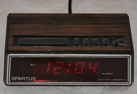Spartus Vintage Alarm Clock Model 1108 Wood Design WORKS - $28.04