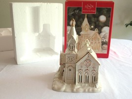 Lenox Village Treasures Mistletoe Park VILLAGE CHURCH 2007 Chapel Lights Up - $64.99